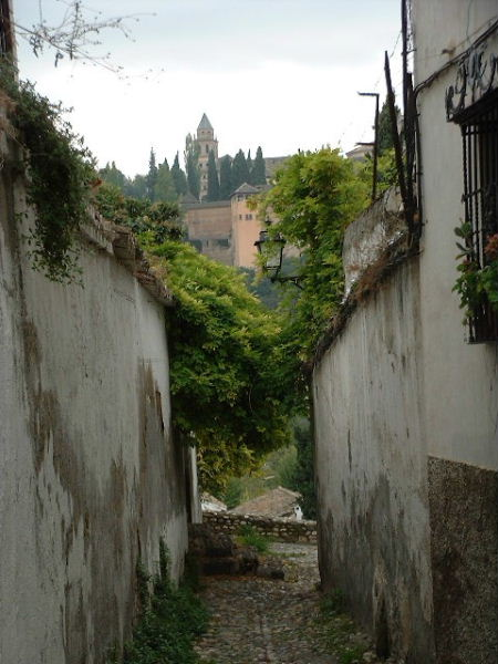 Small street in the Albaicín area